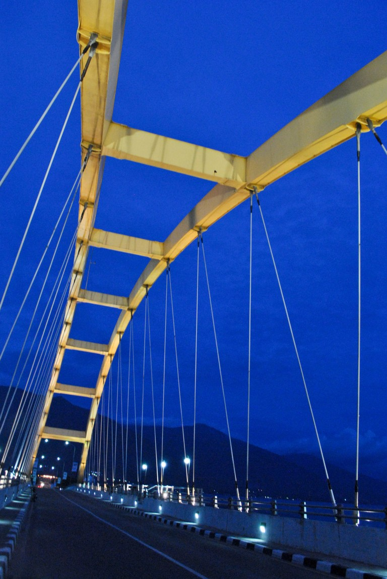Jembatan Ponulele